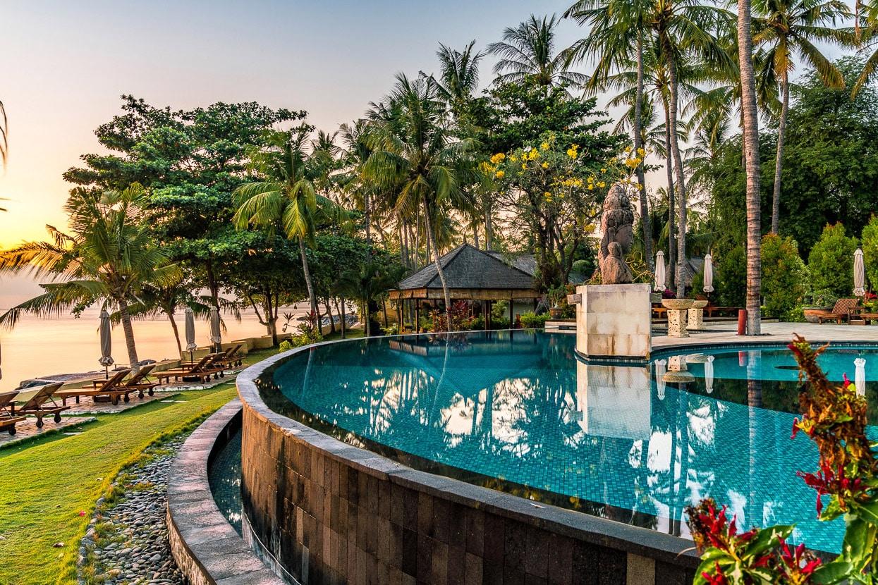 01_Siddhartha_Oceanfront-Swimming-Pool.jpg